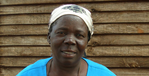 portrait of Jessina, a widow living with HIV in Zimbabwe