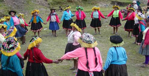 indigenous women in Peru join together