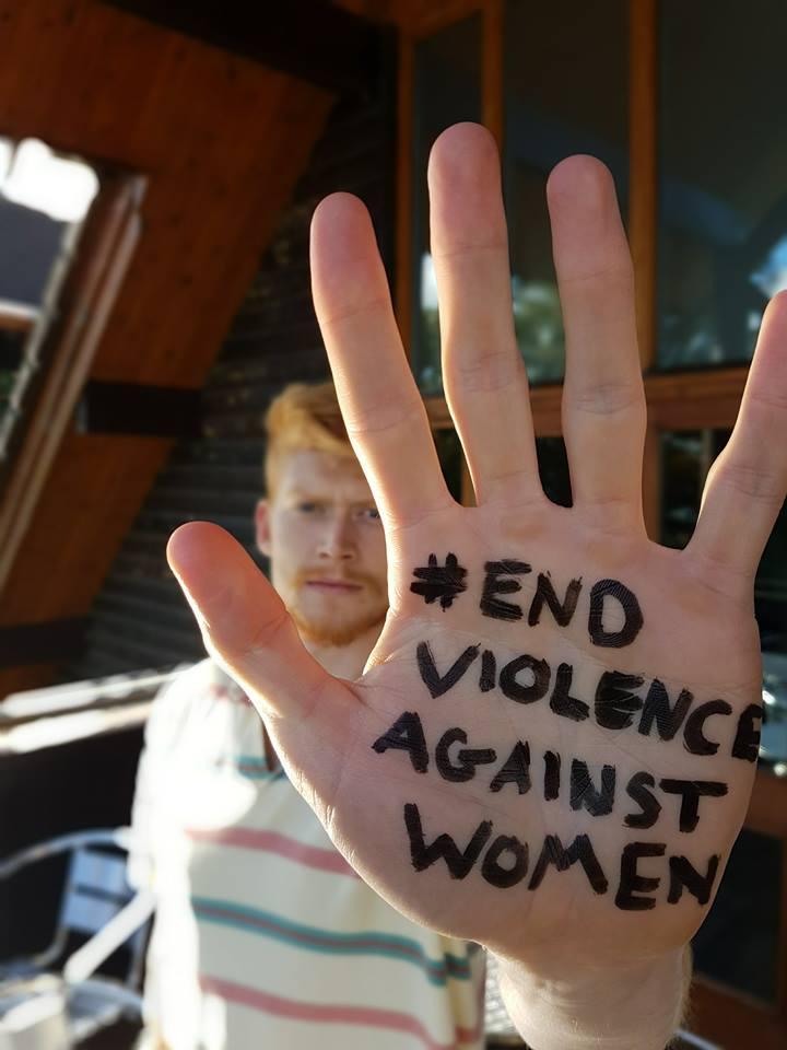 Progressio ICS return volunteer raising awareness of the importance of the elimination of violence against women