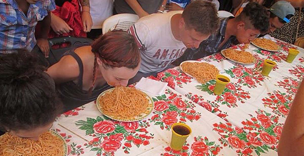 No hands spaghetti eating contest