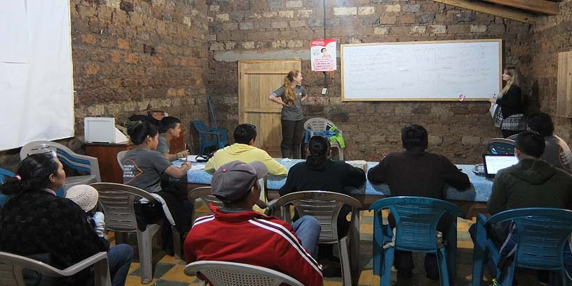 English lessons for the national volunteers and the community in the community centre