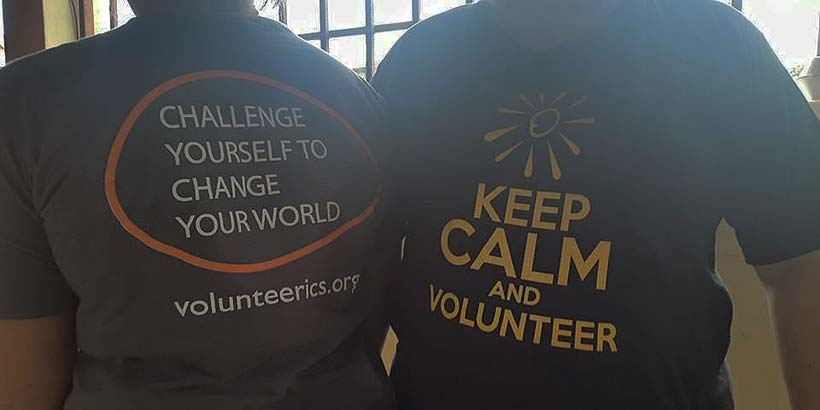 Volunteers wearing the Progressio ICS and Libre Expresion t-shirts