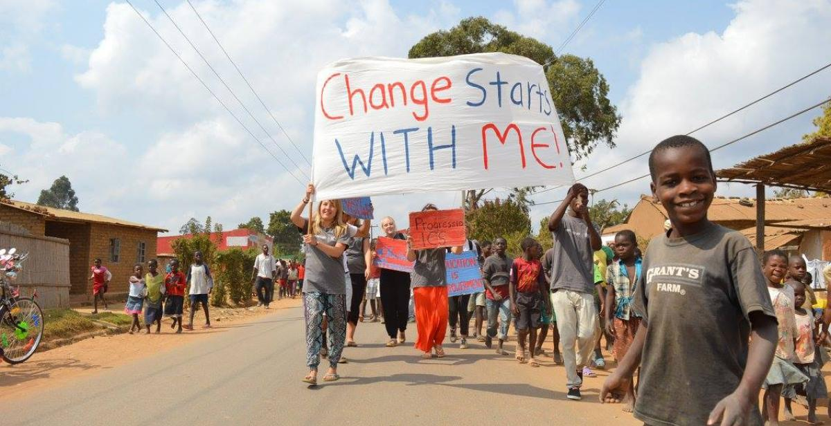 Volunteers in Malawi organised a rally to promote gender equity and better access to sexual and reproductive health.