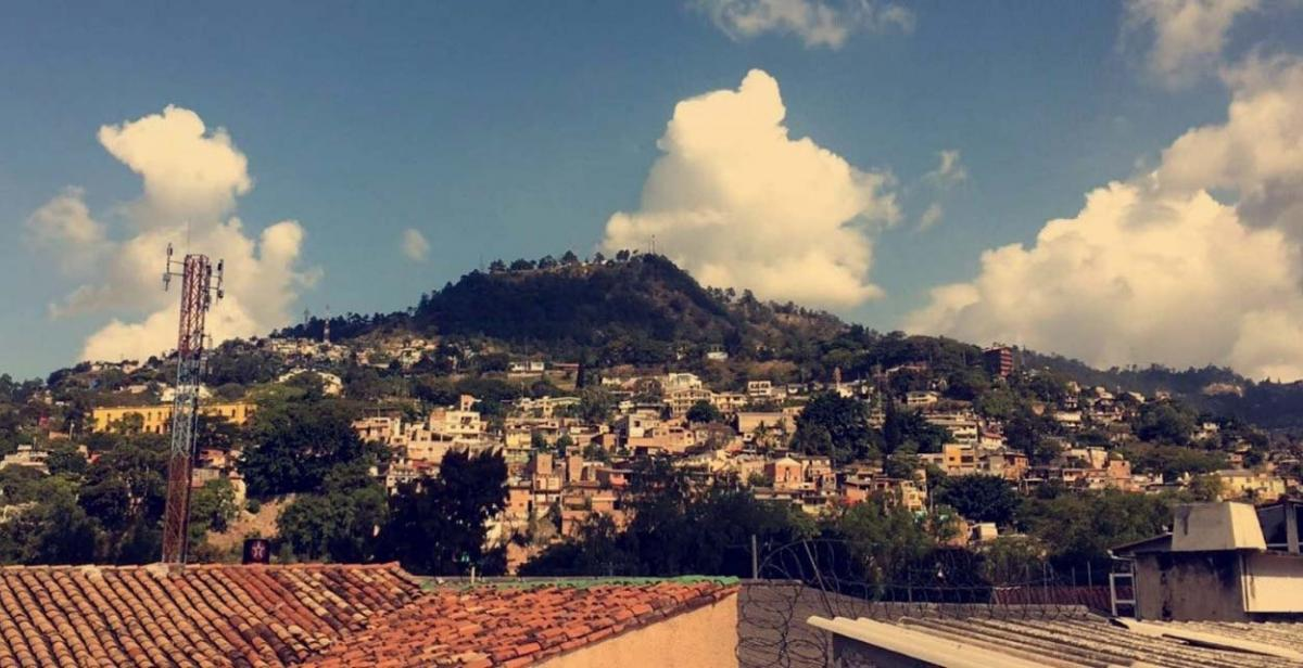 Part of a sprawling Honduran city, seen on the coach journey to our host town of La Esperanza