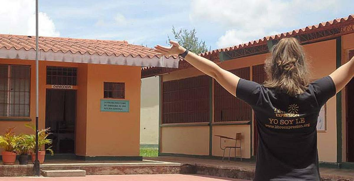 Volunteer at the offices of Libre Expresion