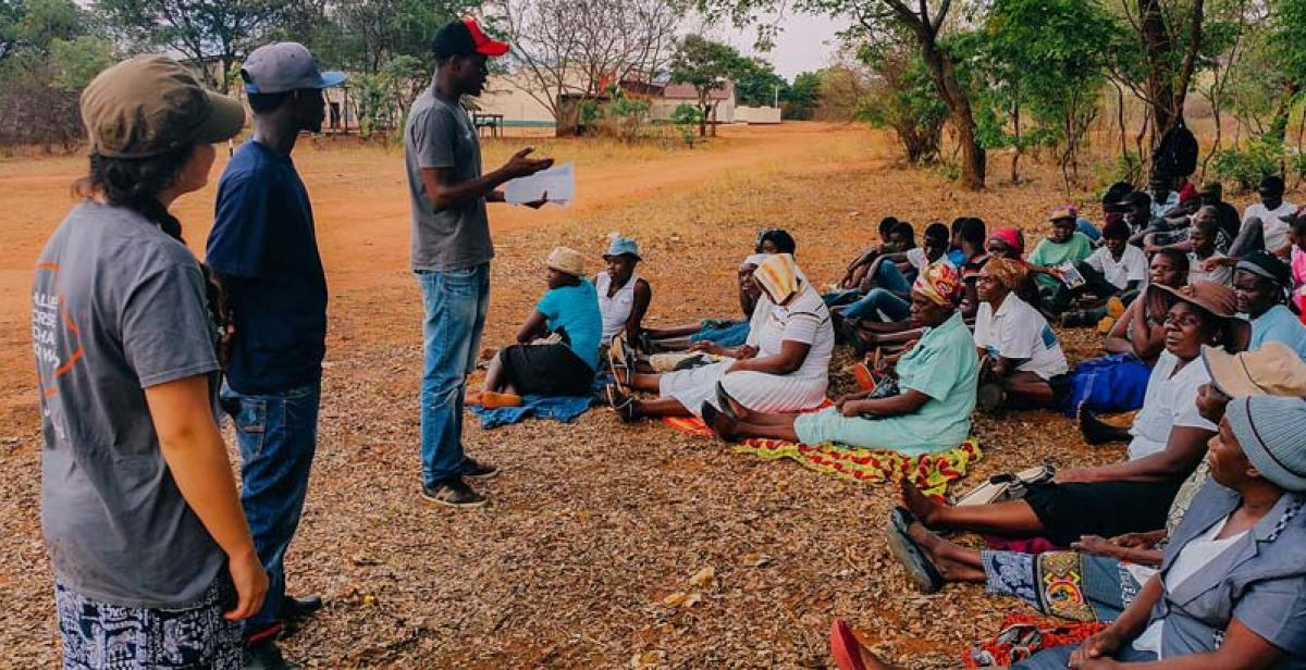 Team Simukai Rowa delivering a session