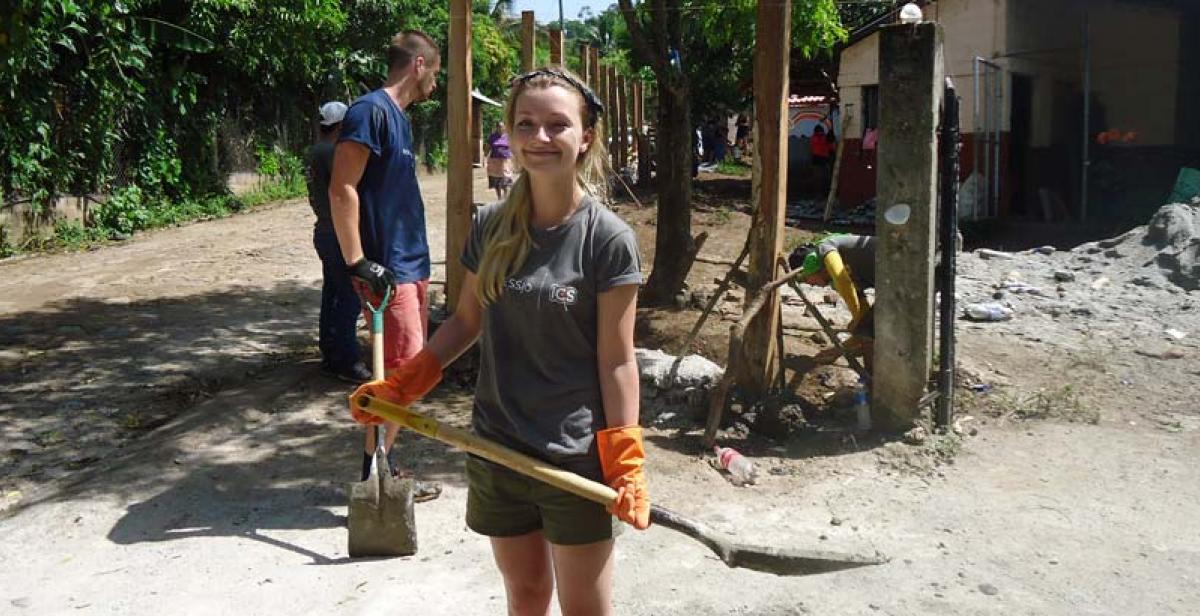 ICS volunteer Rachel doing construction work in Santa Marta