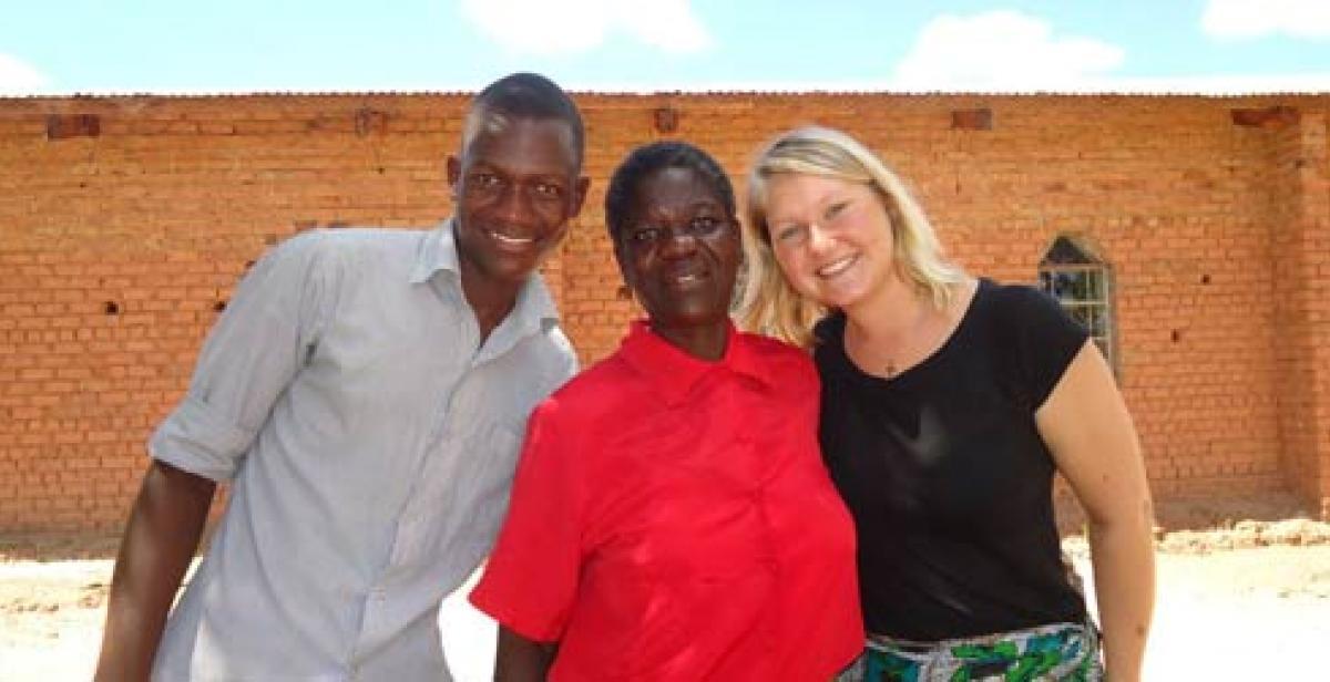 Malawi: volunteers with Msofi