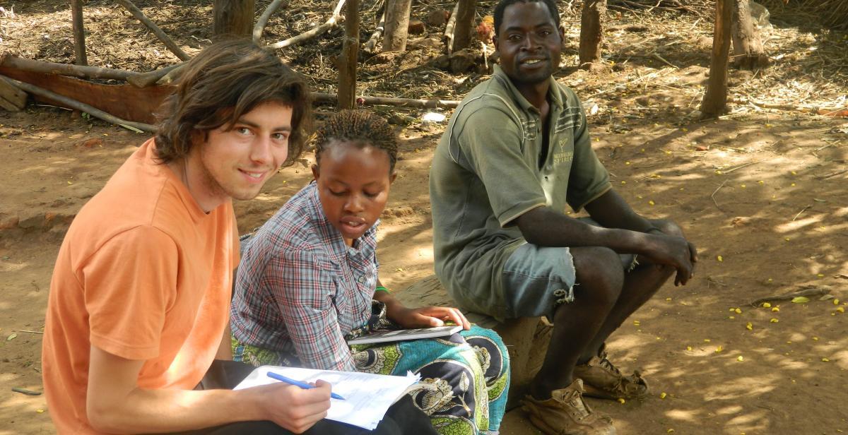 Uk volunteer Andy Griffiths and national volunteer Violet Nkhoma