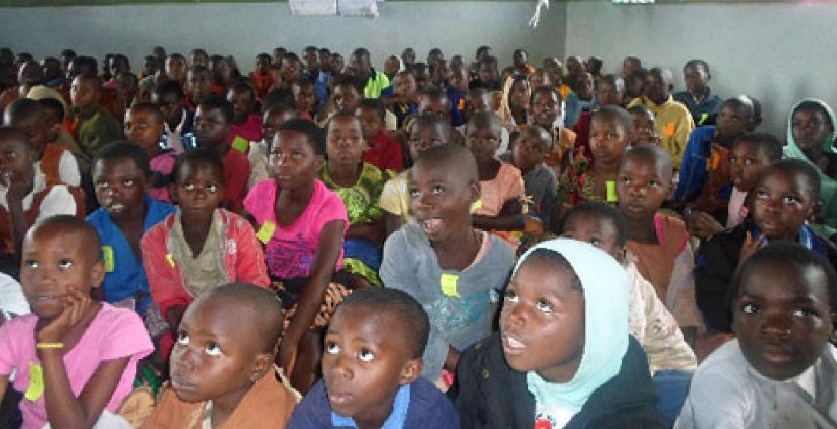 A sea of attentive faces in Area 1B primary school