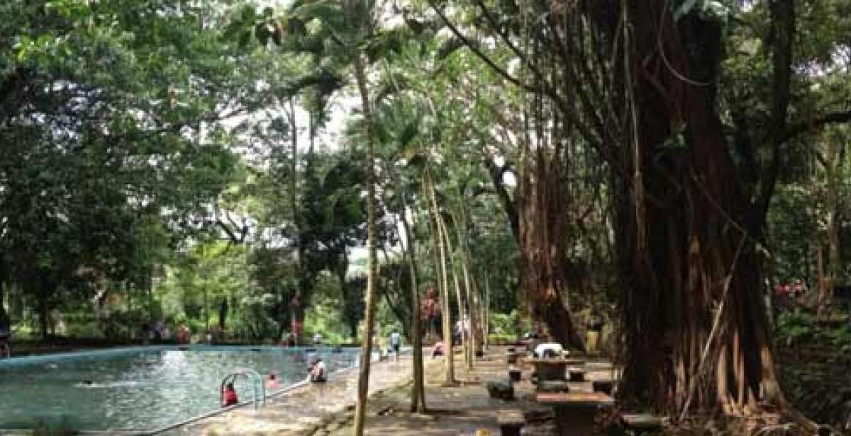 A water park in El Salvador (©Progressio)