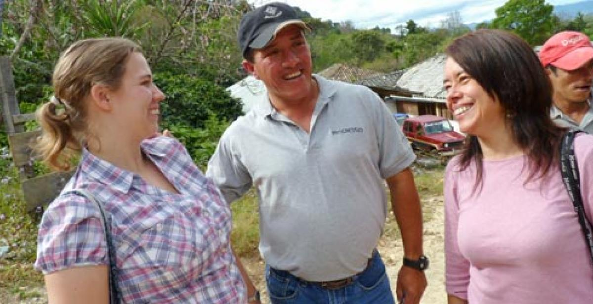 Lisa Barrett with Oscar Argueta and Xiomara Ventura