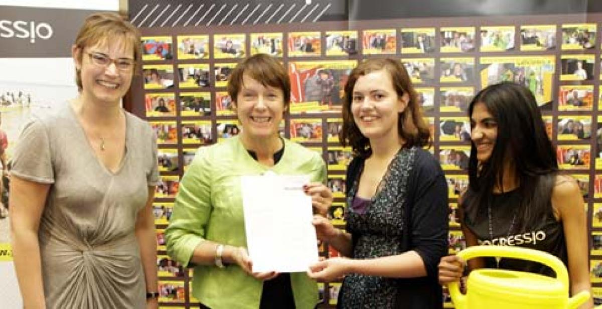 Campaigners hand in letter to Caroline Spelman MP