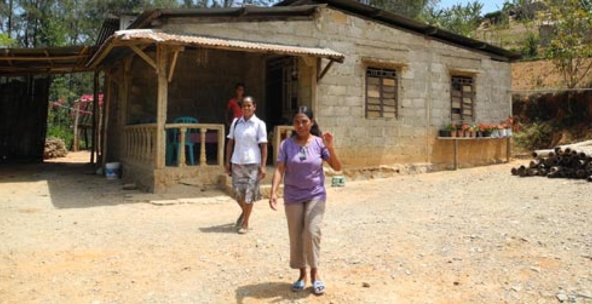 Women in Estada village, Timor-Leste