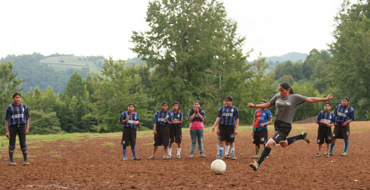 Honduran women's football team set up by volunteers