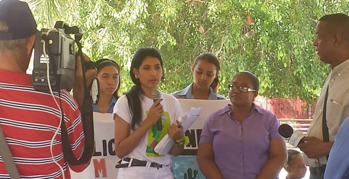 Yunelsi is a public activist for awareness and engagement of local communities