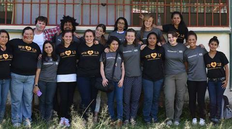 El equipo de voluntarios/as británicos/as y nacionales
