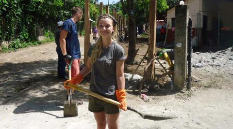 ICS volunteer Rachel doing construction work in Santa Marta