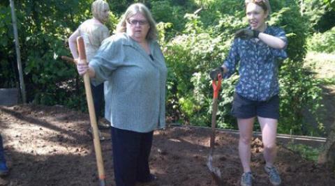 Linda Cross and Jessica Gillson in school grounds, El Salvador