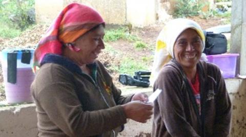 Women presenting to the group in Chiligatoro