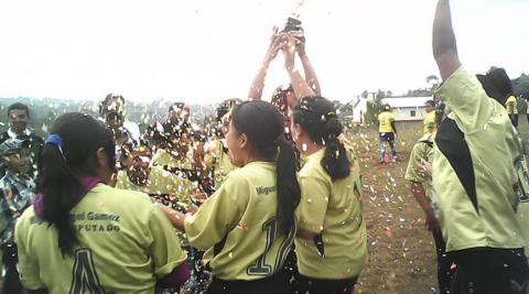 A women's football team in Belén, Honduras