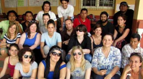 ICS Empower volunteers arrive in El Salvador and are greeted by Progressio staff