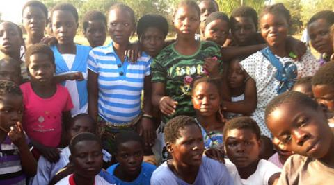 Group of women and children in Malawi