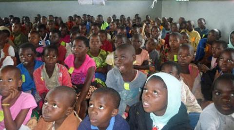 A sea of attentive faces in Area 1B primary school
