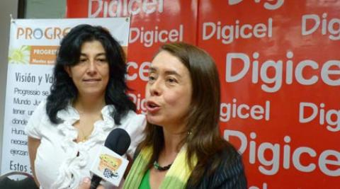 Xiomara Ventura launches the new initiative with Digicel