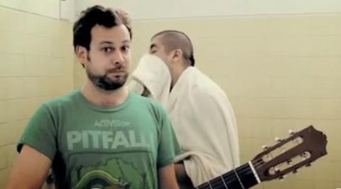 The band Bareto in Dancin Ducha video