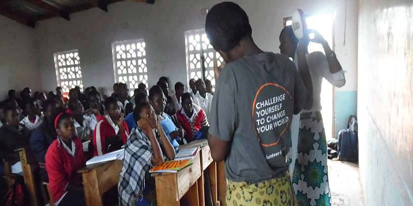 Engaged students in a peer education session